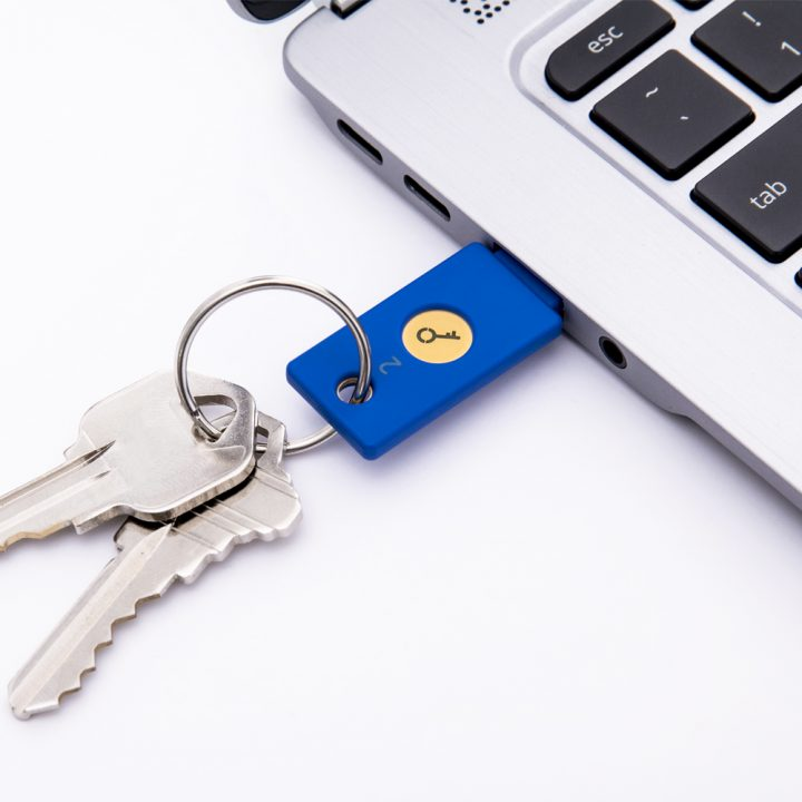 Security Key by Yubico - Tray of 50